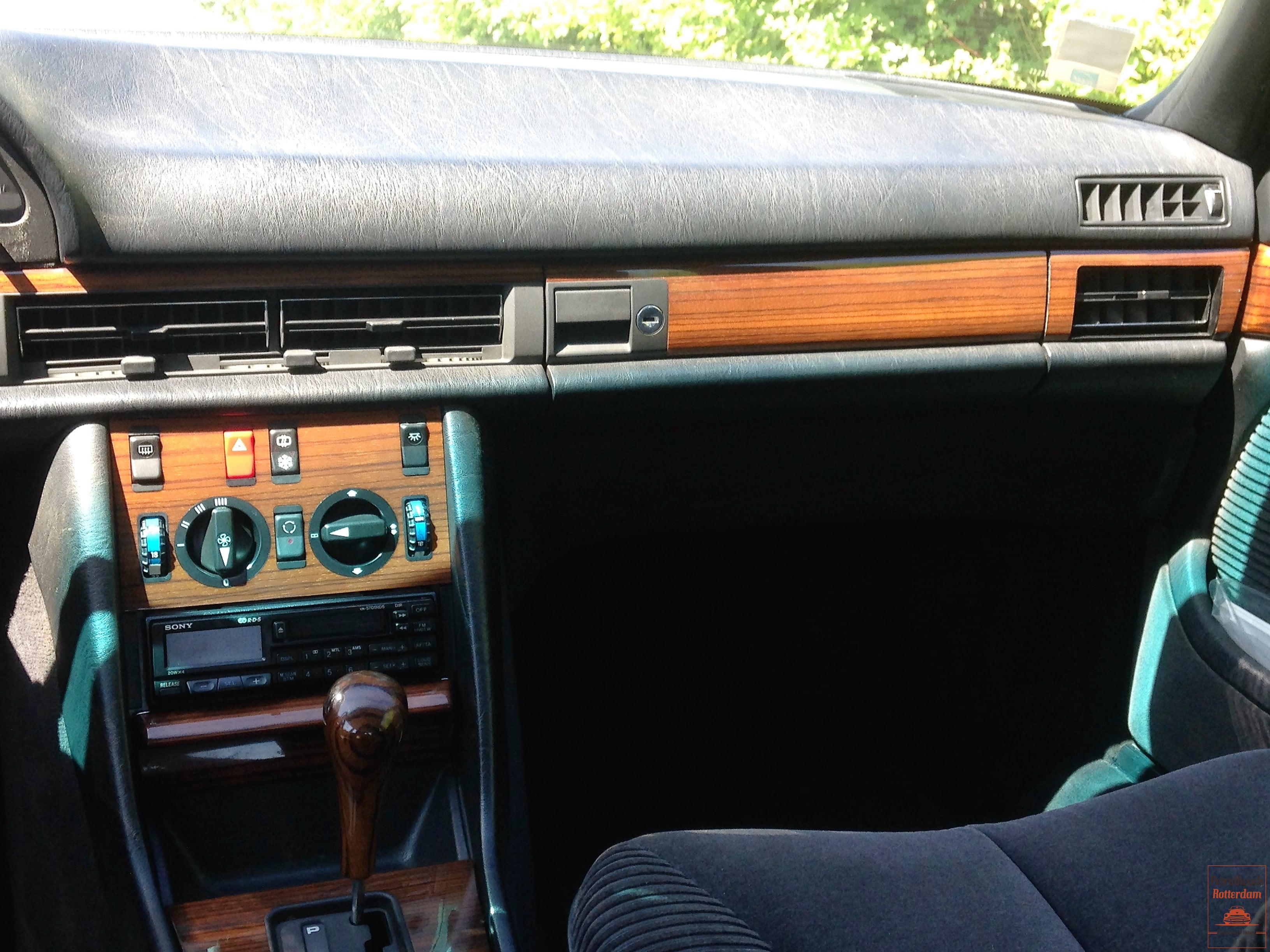 Mercedes 300SE - Donkerblauwe Pullmann interieur - 1986